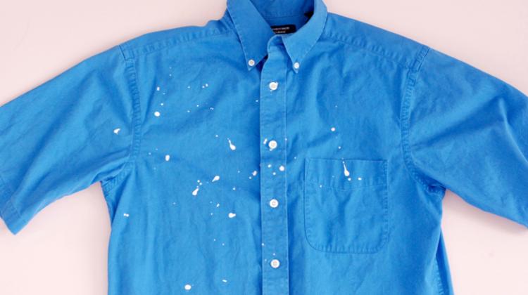 Kıyafete damlayan boya lekesi nasıl çıkar?