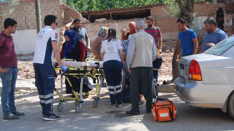 İzmir'de üzerine vinç düşen işçi öldü