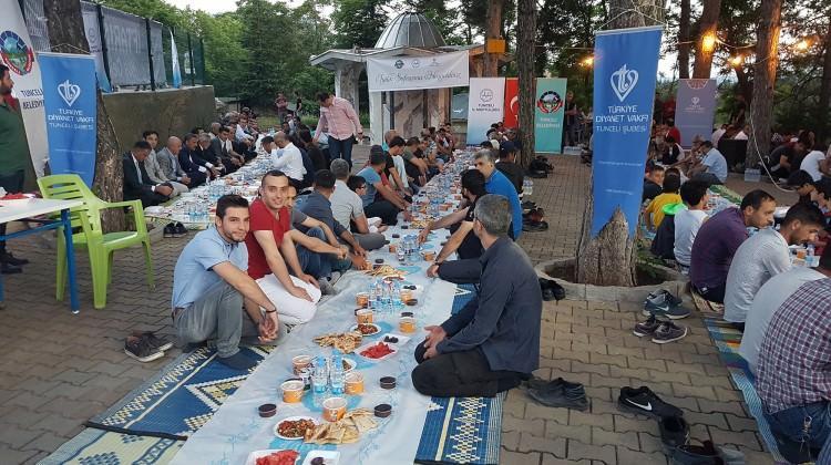 Tunceli'de bin kişiye iftar verildi