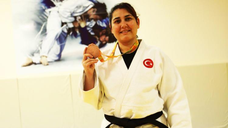 Engeller yıldıramadı! Olimpiyat madalyası kazandı