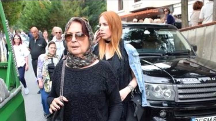 Canan İmer'den Mustafa Ceceli'ye destek