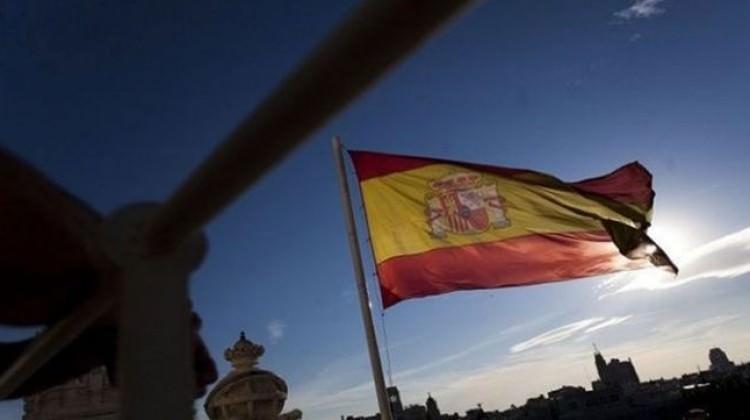 Ufukta İspanya belirsizliği var