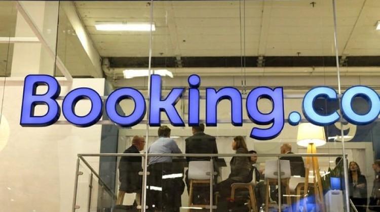 Bakan'dan Booking.com açıklaması!