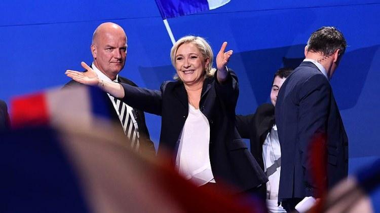 Le Pen ilk kez seçildi!