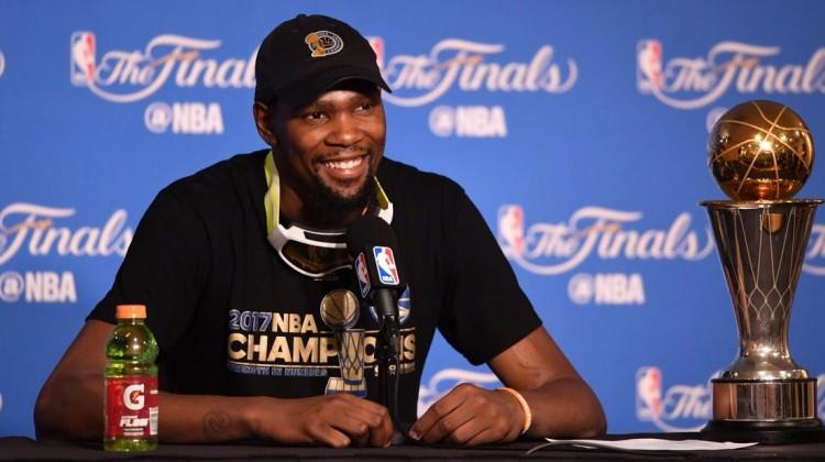 Kevin Durant'e 2 yıllık sözleşme!