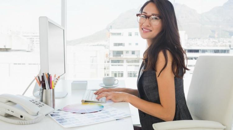 Yaz sıcaklarında ofis şıklığı nasıl olur?