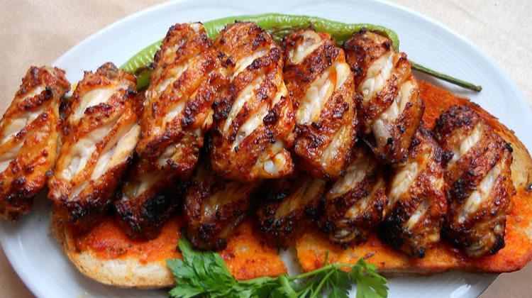 Mangalda soslu kanat nasıl güzel pişilir? Mangal yapma tüyoları