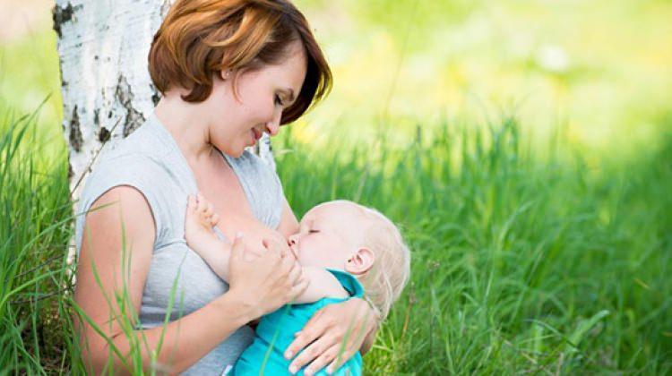 Anne sütü almayan bebekler kabız oluyor