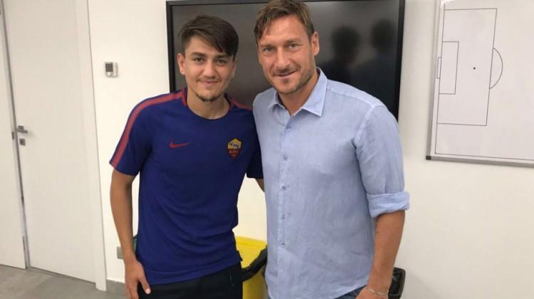 Francesco Totti Roma'da kaldı