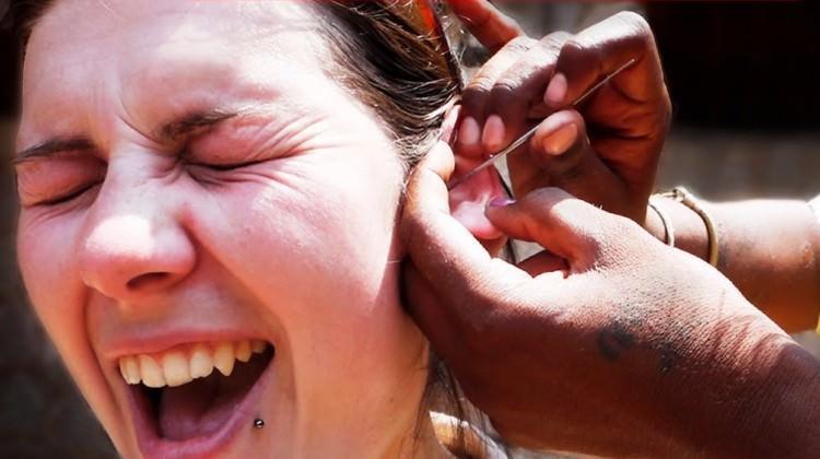 Kulaklarınızı çok kuvvetli temizlerseniz...