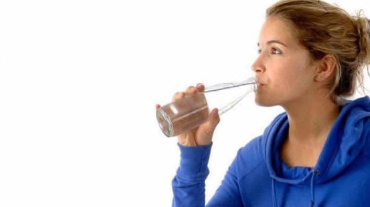 Fazla su içmek hastalık belirtisiymiş!