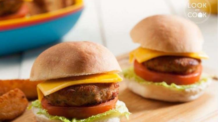 Tavuk kıymalı burger tarifi