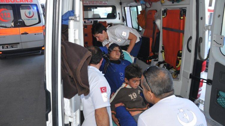 Polatlı'da Suriyeli tarım işçilerini taşıyan kamyonet devrildi: 25 yaralı