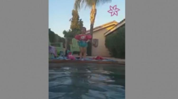 Havuza atlamak istedi ama...