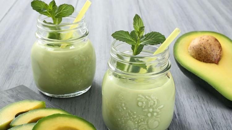 Metabolizmayı hızlandıran 4 avokadolu smoothie