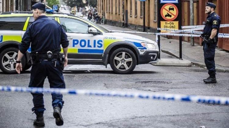 Partiyi bastılar! İsveç'te silahlı saldırı