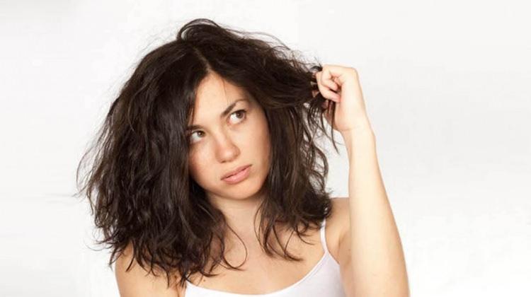 Saçı yağdan arındıran tuz yöntemi