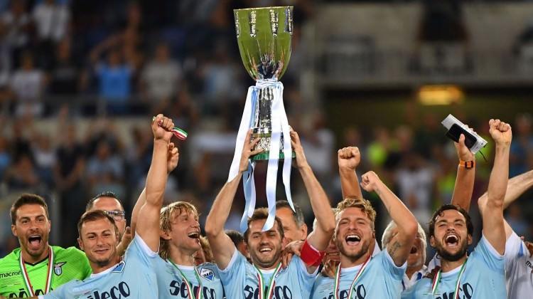 Juve'yi yıkan Lazio kupanın sahibi