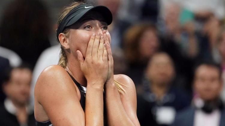 Maria Sharapova gözyaşlarıyla turladı