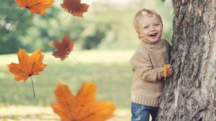 Sonbahar mevsiminde bebekler nasıl giydirilmeli?