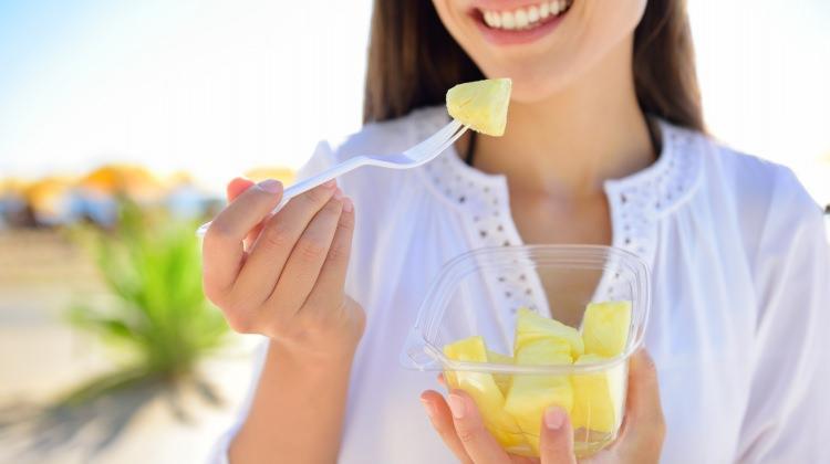 Etin yanında bir dilim ananas yerseniz...