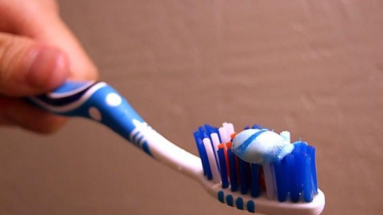 Diş fırçanızı karbonatla dezenfekte edin