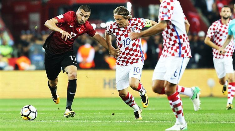 Modric, Türk futbolcuya hayran kaldı!