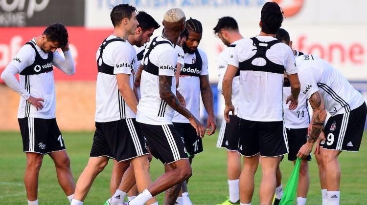 Beşiktaş'a şok üstüne şok!