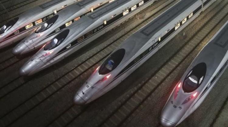 Çin'den resmen uçan tren