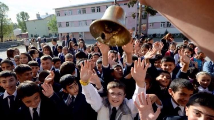 İstanbul'da okullar en erken o saatte başlayacak