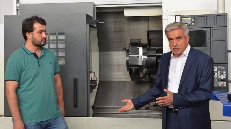 Konya'da 'CNC operatörü robot' üretildi