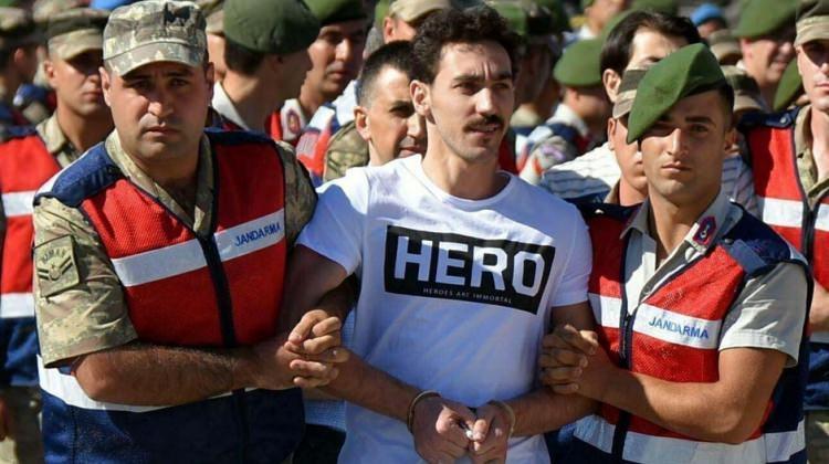 Gökhan Güçlü, Hero tişörtünü böyle savundu