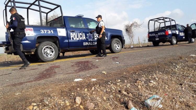 Ülke şokta: Öğrenciler polisleri kaçırdı