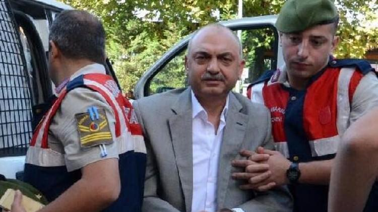 FETÖ'den tutuklu eski emniyet müdürüne tahliye