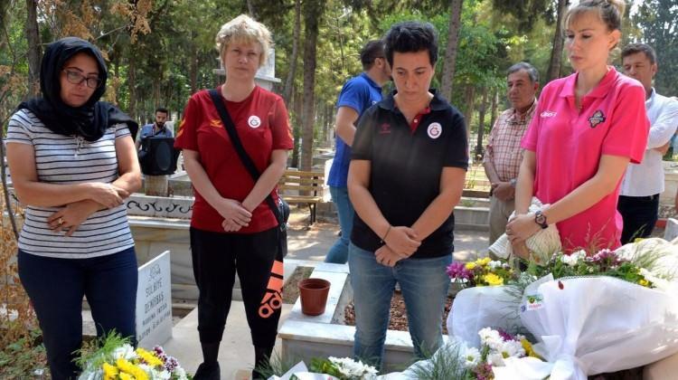 Kadın basketbol takımlarından Özgecan'a ziyaret