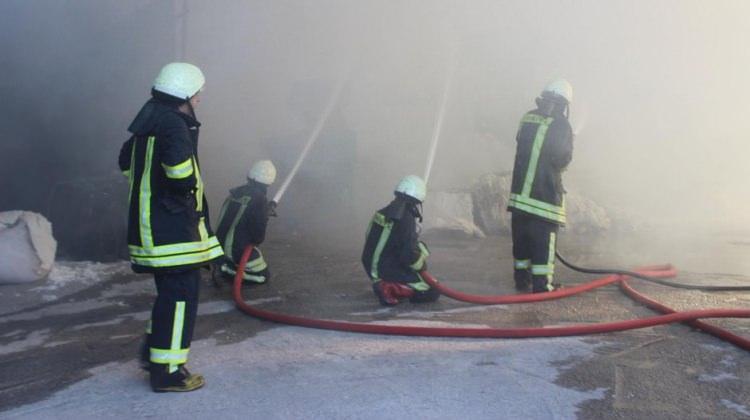 Korkutan fabrika yangını