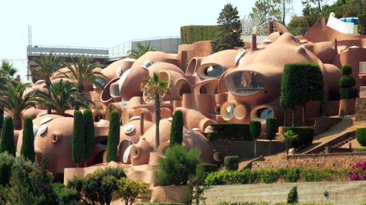 Pierre Cardin'in meşhur 'Baloncuklar Sarayı'
