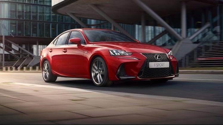 Lexus hibritte iddialı