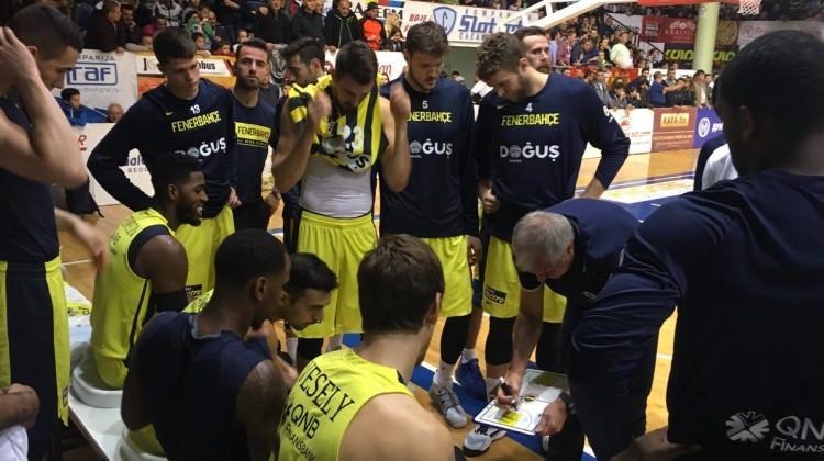 Fenerbahçe Doğuş, Sırp rakibini rahat geçti