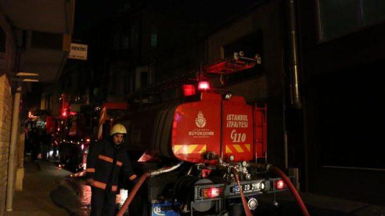 Beyoğlu'nda yangında aynı aileden 3 kişi yaralandı
