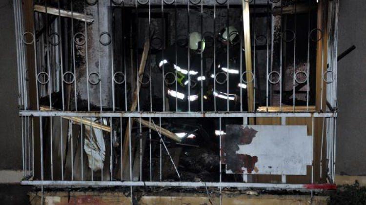 Çıkan yangında baba ve 2 oğlu yaralandı