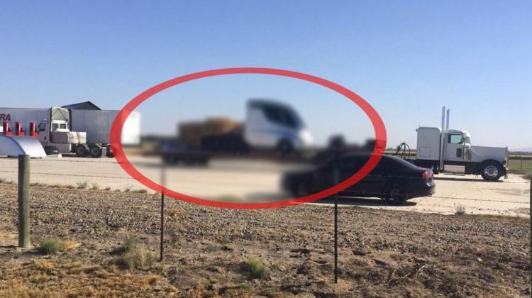 Tesla'nın kamyonu kamuflajsız görüntülendi!