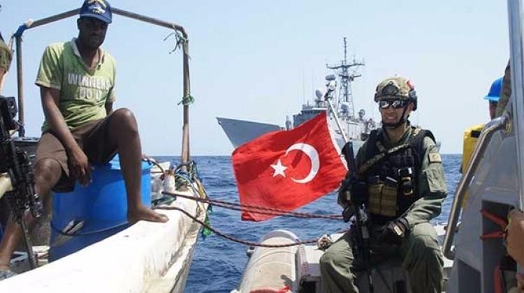 SAT'lardan Somalili balıkçılara haydut uyarısı!