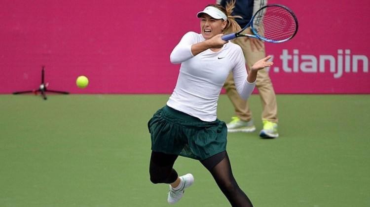 Sharapova Çin'de yarı finalde