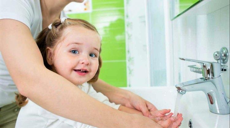 Çocuklara el yıkamayı öğretmenin 3 adımı