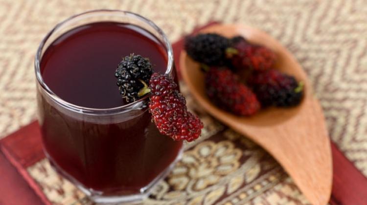 Karadut suyunun tüm faydaları: Karadut suyunu her gün düzenli olarak içerseniz!