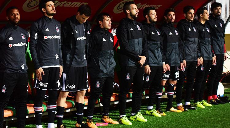 Beşiktaş'ta şok! 2 yıldız oyuna girmek istemedi