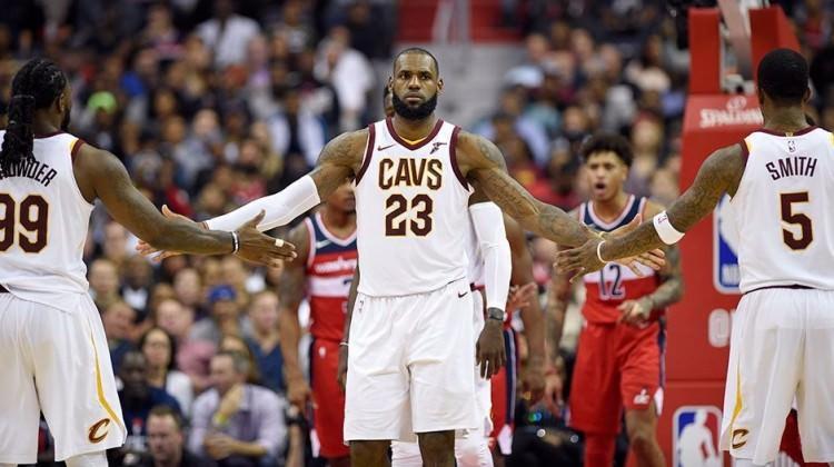 Lebron Cleveland'a galibiyeti hatırlattı!