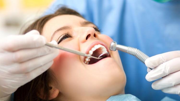 Çarpık dişlere görünmez çözüm!