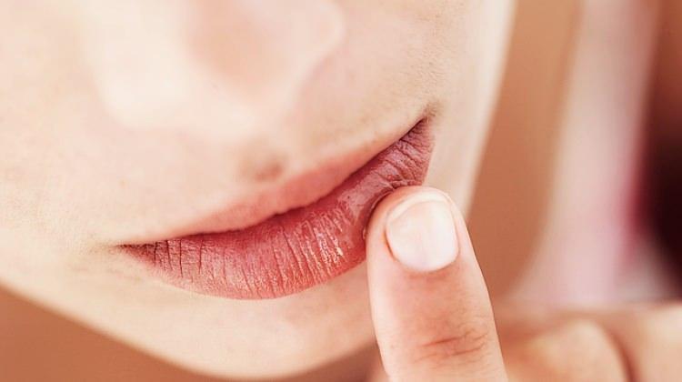 Hamilelikte dudak bakımı nasıl olmalıdır?